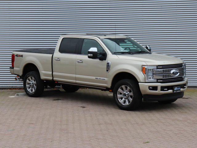 Ford USA F-250 F350 PLATINUM 6.7L V8 2017 F250