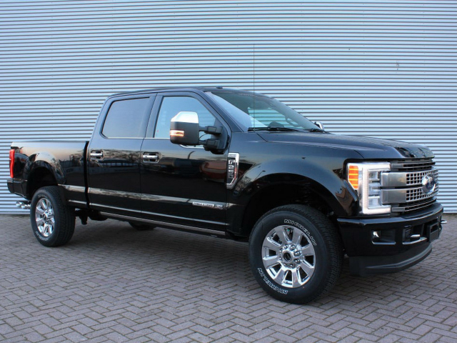 Ford USA F-250 F-350 PLATINUM 6.7L V8 2017